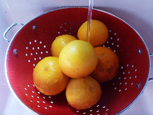 Thoroughly wash oranges and grapefruits