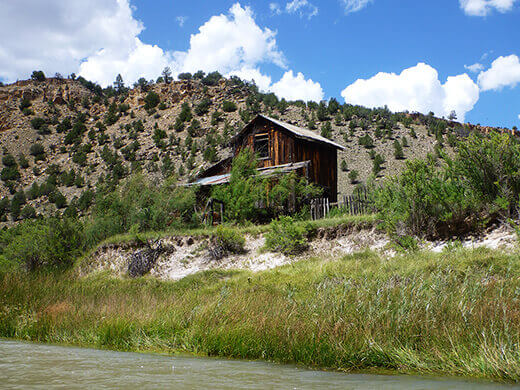An old 1800s homestead on the Rio Chama