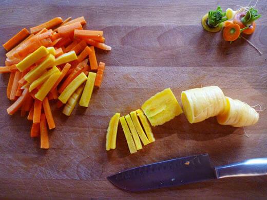 Cut carrots into matchsticks