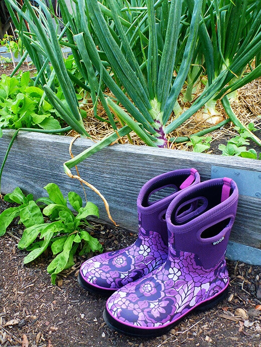Bogs Classic Mid Lanai boots