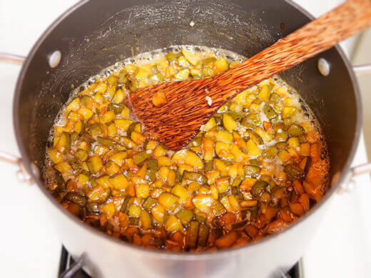 Feijoa mixture boiled down