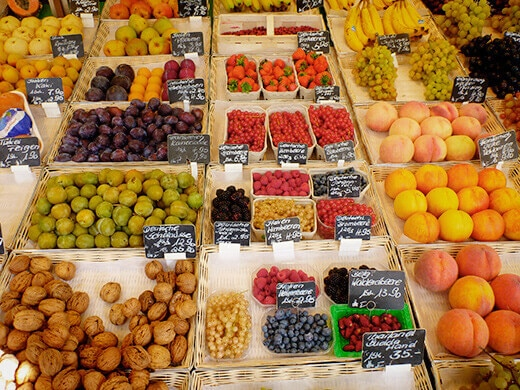 Berries and stone fruits