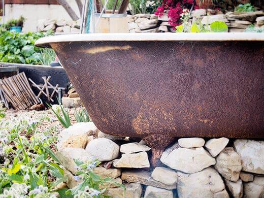 Setting up a clawfoot tub planter