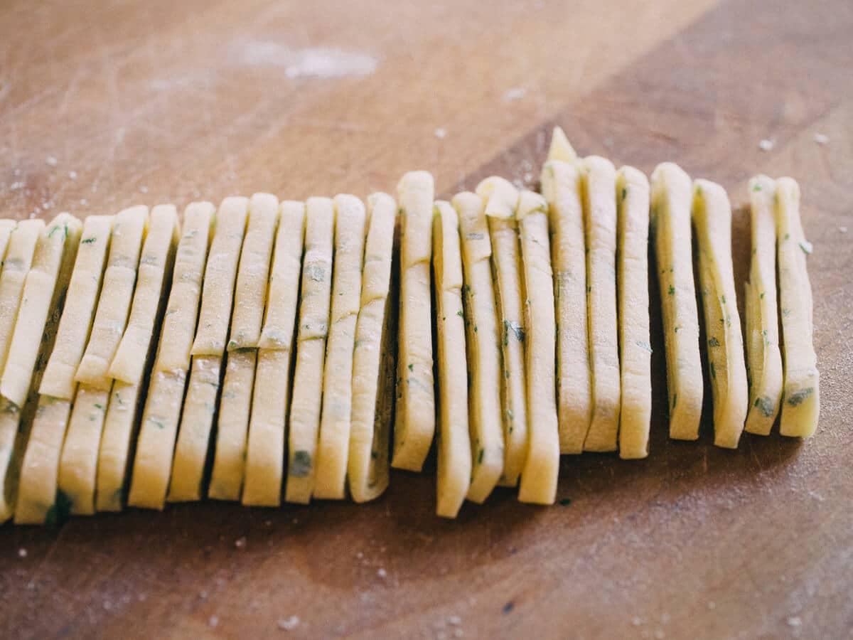 Parsley pasta