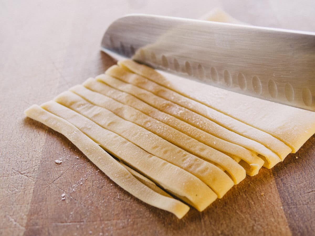 Cut the pasta to your desired width