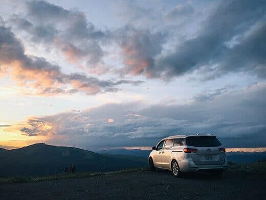 Kia Sedona at sunset