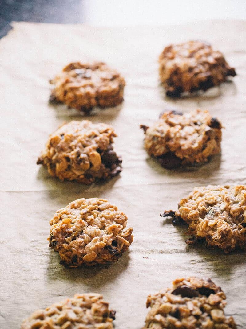 Choco banana date cookies aka breakfast in a bite