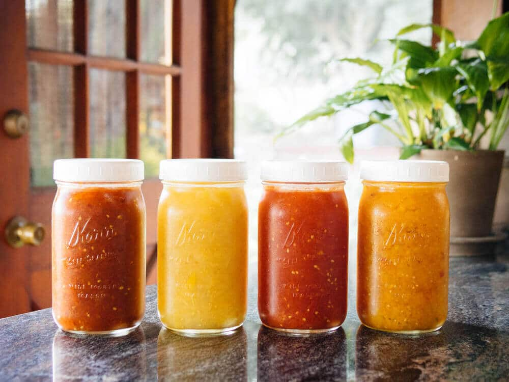 Easy peasy homemade tomato sauce (no peeling required)