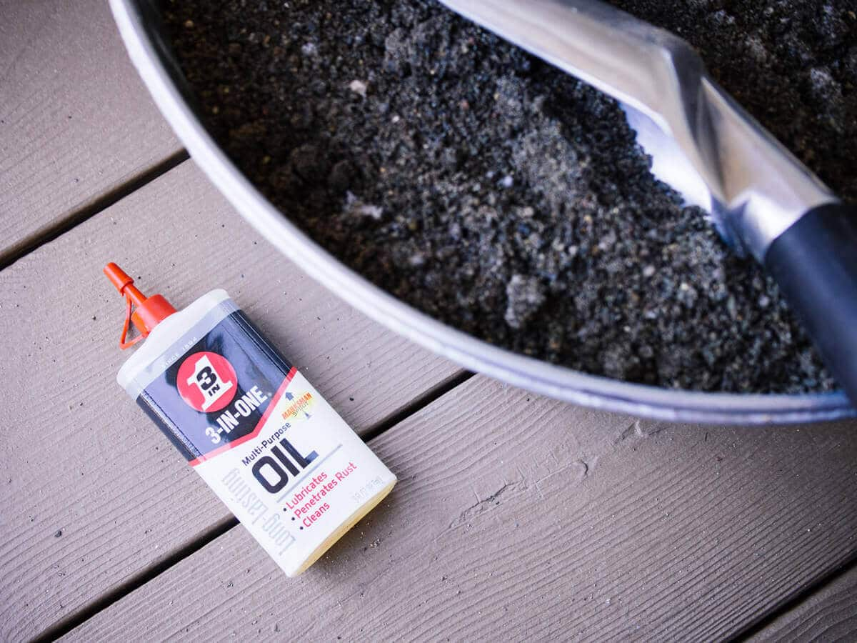Fill a bucket with sand and oil to keep tools clean and sharp
