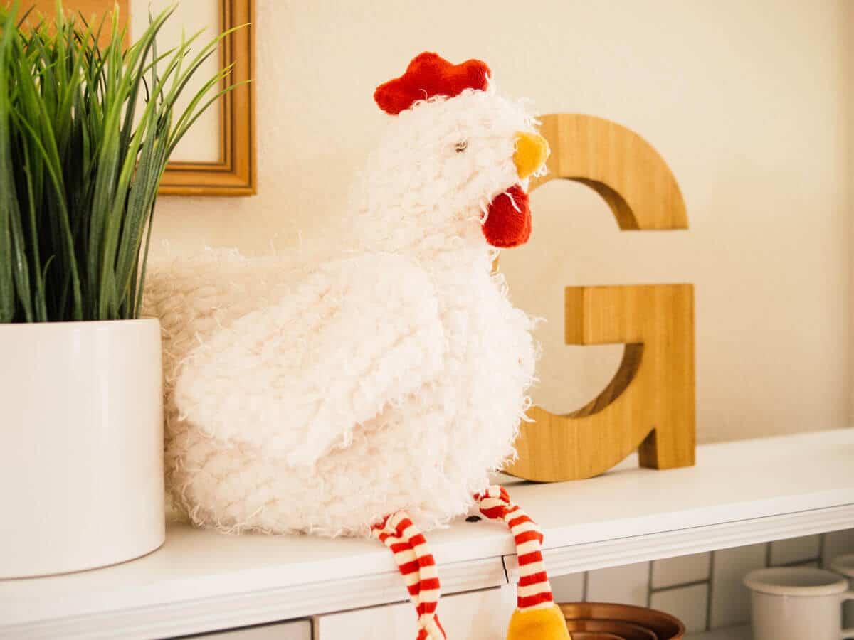 Plush chicken toy